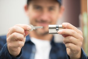 Locksmith in Elmont, NY 11003