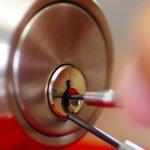 office-11374-automobile-home-car-house-locksmith-install-door-knob-automotive-auto-queens-ny-lock